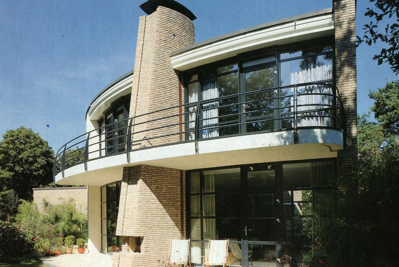 Zon gericht woonhuis te Bilthoven, zijgevel